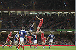 Wales captain Sam Warburton takes the line out ball.<br /> RBS 6 Nations 2014<br /> Wales v France<br /> Millennium Stadium<br /> 21.02.14<br /> <br /> ©Steve Pope-SPORTINGWALES