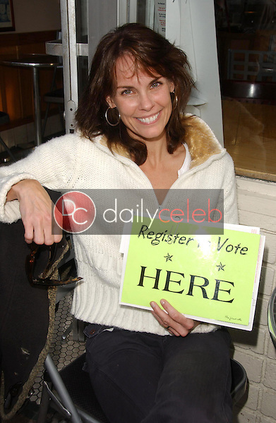 Alexandra Paul<br />