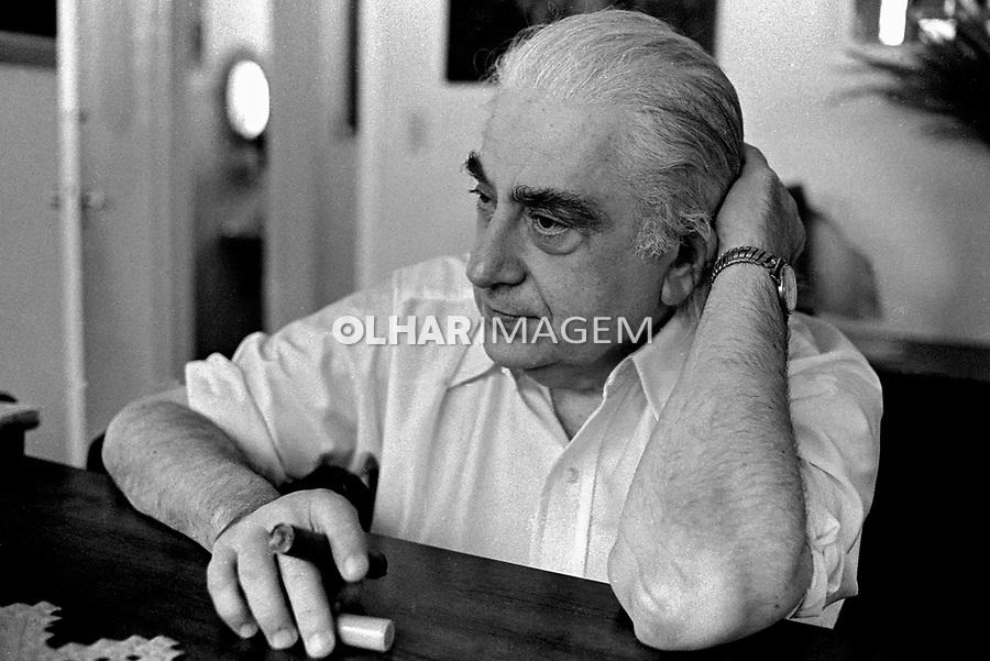 Pessoa. Personalidade. Físico Mário Schemberg. SP. 1978. Foto de Juca Martins.