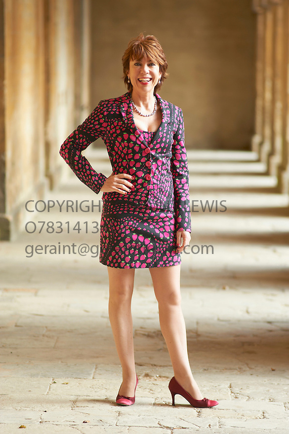 Kathy Lette,novelist and writer of Men A Users Guide at Blenheim Palace at The Woodstock Literary Festival 2010 .CREDIT Geraint Lewis