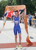 30 JUN 2007 - COPENHAGEN, DEN - Alistair Brownlee (GBR) celebrates taking the Junior Mens title at the European Triathlon Championships. (PHOTO (C) NIGEL FARROW)