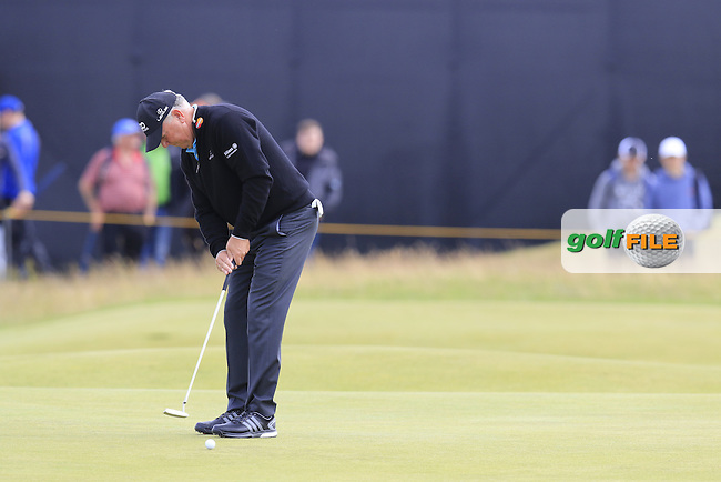 Mark O'Meara (USA) putts on the 14th green during Monday's Final Round of the 144th Open Championship, St Andrews Old Course, St Andrews, Fife, Scotland. 20/07/2015.<br /> Picture Eoin Clarke, www.golffile.ie