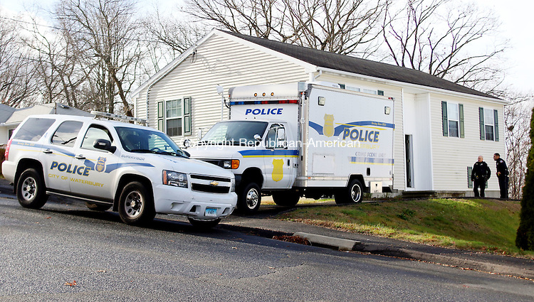WATERBURY CT. 26 November 2015-112715SV08-Police investigate a possible untimely death at 279 Capital Avenue in Waterbury Friday.<br /> Steven Valenti Republican-American