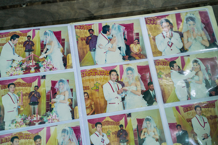 November 27, 2016 - Pailin (Cambodia). Photos of the christian wedding ceremony of Touch Sokhan's daughter, Ven Sophon. Touch is a former Khmer Rouge cadre from Kampot and he is now chief of O' Tapuk Krom's village in Pailin. © Thomas Cristofoletti / Ruom