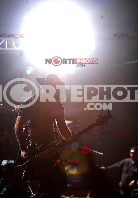 S&aacute;bado 19, Enero 2013. Las bandas de rock Fobia &amp; Kinky dan concierto en la Plaza de Toros Santa Mar&iacute;a de Quer&eacute;taro. <br /> (GerardoFlores/SIETEFOTO/NortePhoto)