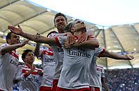 21.04.2018, Football 1. Bundesliga 2017/2018, 31.  match day, Hamburger SV - SC Freiburg, Volksparkstadium Hamburg. celebration Hamburg   1:0 , vorn  Matti Steinmann (Hamburg) and scorer Lewis Holtby (Hamburg)  *** Local Caption *** © pixathlon<br /> <br /> Contact: +49-40-22 63 02 60 , info@pixathlon.de