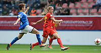 20180904 - LEUVEN , BELGIUM : Belgian Julie Biesmans (r) pictured with Italian Manuela Giugliano (left) during the female soccer game between the Belgian Red Flames and Italy , the 8th and last game in the qualificaton for the World Championship qualification round in group 6 for France 2019, Tuesday 4 th September 2018 at OHL Stadion Den Dreef in Leuven , Belgium. PHOTO SPORTPIX.BE  | DAVID CATRY