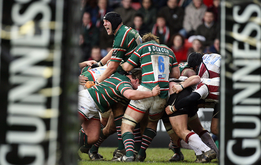 Photo: Rich Eaton...Leicester Tigers v Newcastle Falcons. Guinness Premiership. 27/01/2007. Ben Kay of Leicester Tigers in the thick of a maul.