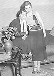 Tschechowa, Olga - Schauspielerin, Russland / Deutschland - 26.04.1897-09.03.1980+ mit ihrer Tochter Ada in dem Theaterstueck 'Charlott laesst raten' - Kleines Theater Berlin, 1933 - 1933 Originalaufnahme im Archiv von ullstein bild<br /> <br /> - 01.01.1933-31.12.1933<br /> <br /> Es obliegt dem Nutzer zu pr&uuml;fen, ob Rechte Dritter an den Bildinhalten der beabsichtigten Nutzung des Bildmaterials entgegen stehen.<br /> <br /> Tschechowa, Olga - Actress, Russia / Germany - 26.04.1897-09.03.1980+ with her daughter Ada in the stage play 'Charlott laesst raten' - Kleines Theater Berlin, 1933 - 1933 Vintage property of ullstein bild<br /> <br /> - 01.01.1933-31.12.1933<br /> <br /> It is in the duty of the user of the image to clear prior to usage if any Third Party rights preclude the intended use.
