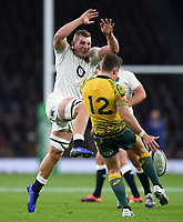 Sam Underhill of England looks to charge down a kick from Bernard Foley of Australia. Quilter International match between England and Australia on November 24, 2018 at Twickenham Stadium in London, England. Photo by: Patrick Khachfe / Onside Images
