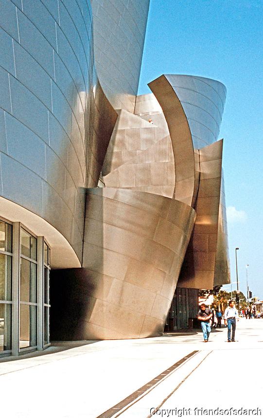 Frank Gehry: Walt Disney Concert Hall. Grand Avenue Facade.  Photo '04.