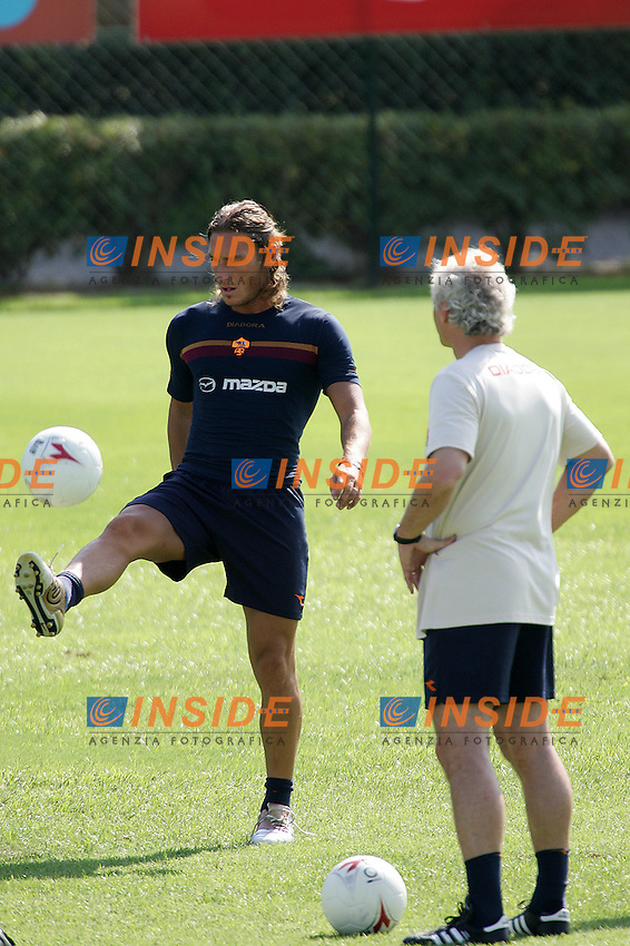 Roma 31/8/2004 Primo allenamento della Roma diretto da Rudi Voeller. <br /> First training of AS Roma with new trainer Rudi Voeller.<br /> In this picture Francesco Totti and Rudi Voeller<br /> Foto Andrea Staccioli Insidefoto