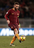 Calcio, ottavi di finale di Tim Cup: Roma vs Sampdoria. Roma, stadio Olimpico, 19 gennaio 2017.<br /> Roma&rsquo;s Daniele De Rossi in action during the Italian Cup round of 16 football match between Roma and Sampdoria at Rome's Olympic stadium, 19 January 2017.<br /> UPDATE IMAGES PRESS/Isabella Bonotto