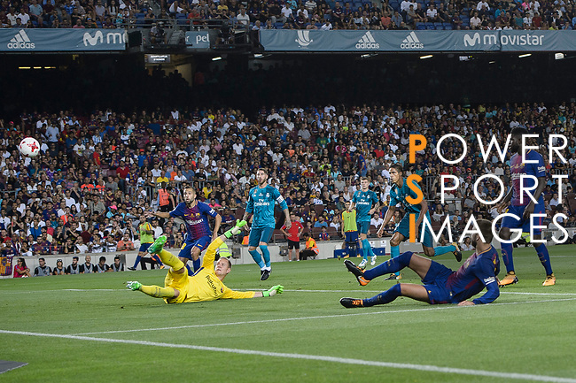 Gerard Pique Bernabeu of FC Barcelona (R) scoring against his own team during the Supercopa de Espana Final 1st Leg match between FC Barcelona and Real Madrid at Camp Nou on August 13, 2017 in Barcelona, Spain. Photo by Marcio Rodrigo Machado / Power Sport Images