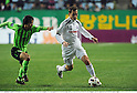 (R-L) Martinez (Cerezo), Jung Hoon (Jeonbuk), APRIL 20th, 2011 - Football : AFC Champions League Group G match between Jeonbuk Hyundai Motors 1-0 Cerezo Osaka at Jeonju World Cup Stadium in Jeonju, South Korea. (Photo by Takamoto Tokuhara/AFLO).