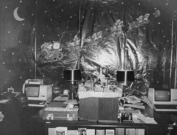 Decorated office of winner Judge Gregg Cannon during Christmas in 1982. (Photo by CQ Roll Call via Getty Images)