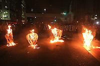 SÃO PAULO,SP, 29.10.2015 - PROTESTO-SP - Ato pela tarifa zero no transporte público realizado pelo Movimento Passe Livre nas proximidades do Teatro Municipal, na região central de São Paulo, na tarde desta quinta- feira (29). A Tropa de Choque acompanhou a manifestação. (Foto: Amauri Nehn/Brazil Photo Press)