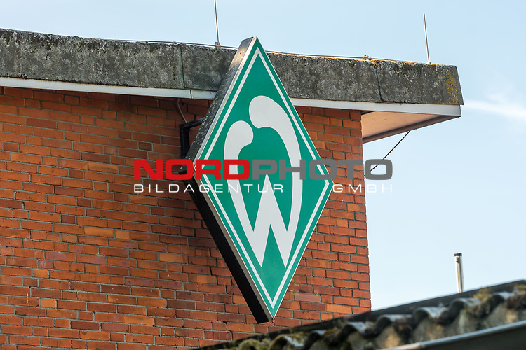 21.05.2020, wohninvest Weserstadion Trainingsplatz, Bremen, GER, Werder Bremen, Training, <br /> <br /> im Bild<br /> Werder Bremen Logo. Feature / Symbol / Symbolfoto / charakteristisch / Detail<br /> <br /> Foto © nordphoto / Paetzel
