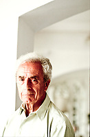 Michelangelo Antonioni, Writer: Blowup. Michelangelo Antonioni was born in 1912 into a middle-class family and grew up in bourgeois surroundings of the Italian province. Taormina (Palermo) agosto 1994. Festival derl cinema Internazionale. © Leonardo Cendamo