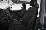Front seat view of 2013-2014 Audi Q5 Base 5 Door SUV front seat car photos