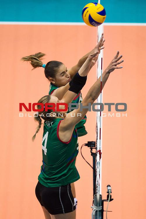 05.10.2014, Pala Trieste, Triest<br /> Volleyball, FIVB Volleyball Women`s World Championship 2014, 2. Runde, Deutschland (GER) vs. Aserbaidschan (AZE)<br /> <br /> Block / Doppelblock Oksana Kurt (Parkhomenko) (#4 AZE), Ayshan Abdulazimova (#6 AZE)<br /> <br />   Foto &copy; nordphoto / Kurth