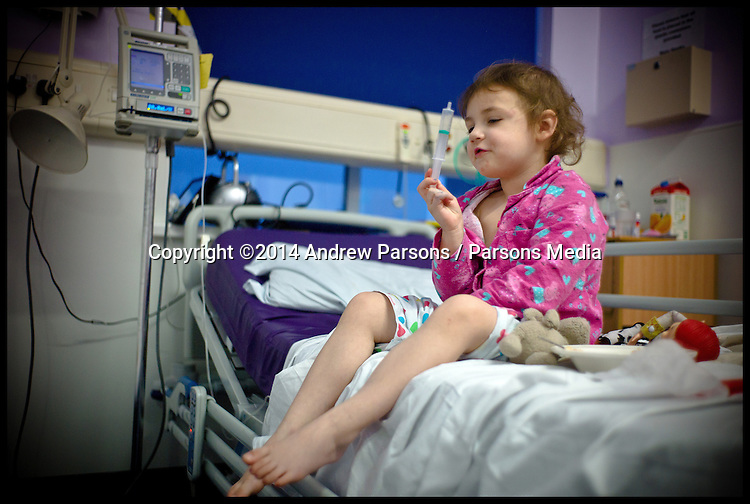 Yasmin having a blood transfusion in Whipps, Feb 18 2014, Picture by Andrew Parsons / Parsons Media