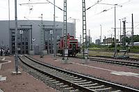 Besuch im ICE-Werk Leipzig..Im Bild: Rangierlok vor den Toren der Werkhalle. Foto: Jan Kaefer / aif
