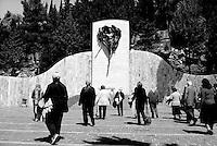 Italia, San Giovanni Rotondo (FG).<br /> Pendio del monte Castellano lungo la Via Crucis. <br /> Italy, San Giovanni Rotondo (FG).<br /> The slope of Mount Castellano along the Via Crucis.