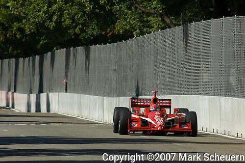 31 August 2007: Dan Wheldon  (XEN) at the Detroit Belle Isle Grand Prix, Detroit, Michigan.