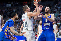 Real Madrid's Jaycee Carroll and Khimki Moscow's James Augustine during Euroleague match at Barclaycard Center in Madrid. April 07, 2016. (ALTERPHOTOS/Borja B.Hojas) /NortePhoto
