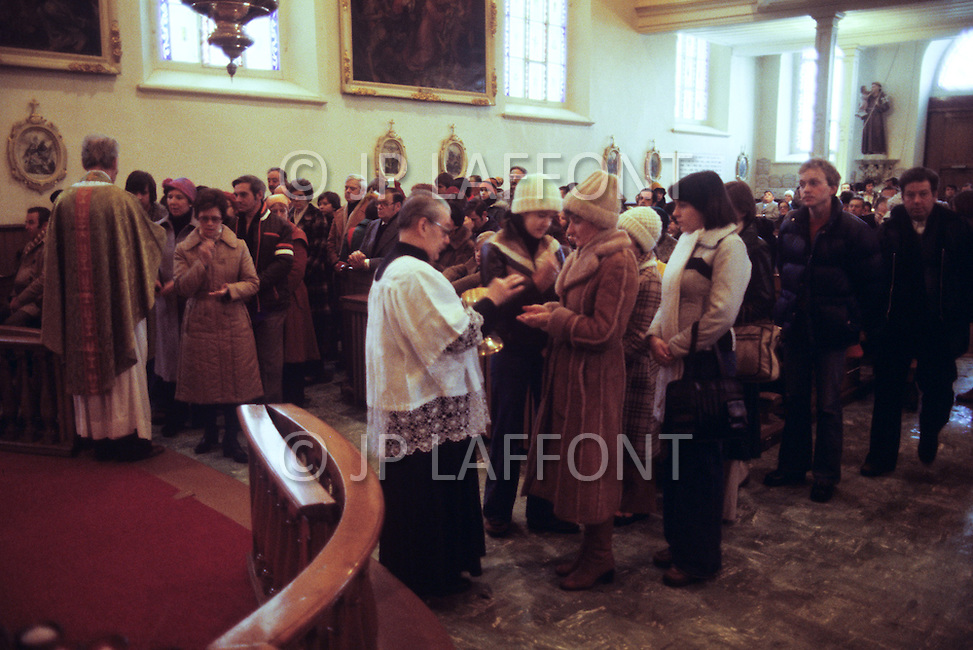 Quebec, Canada, March 1978. Daily life in Quebec. Religious service in a catholic church.