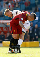 Calcio, Serie A: Roma vs Udinese. Roma, stadio Olimpico, 23 settembre 2017.<br /> Roma&rsquo;s Radja Nainggolan, left, and Udinese&rsquo;s Antonin Barak fight for the ball during the Italian Serie A football match between Roma and Udinese at Rome's Olympic stadium, 23 September 2017. Roma won 3-1.<br /> UPDATE IMAGES PRESS/Riccardo De Luca