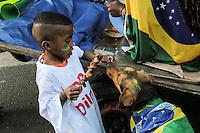 SÃO PAULO,SP, 16.08.2015 - PROTESTO-SP - Manifestantes durante ato contra o governo Dilma Rousseff (Partido dos Trabalhadores) na Avenida Paulista em São Paulo, neste domingo, 16. (Foto Marcio Ribeiro / Brazil Photo Press)