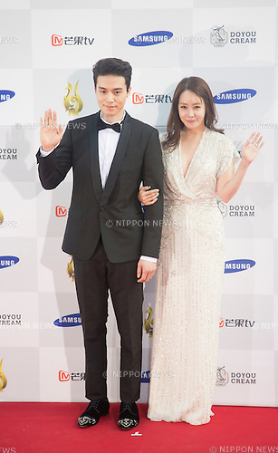 Lee Dong-wook and Kim Jung-eun, Sep 10, 2015 : South Korean actor Lee Dong-wook (L) and actress Kim Jung-eun pose during a red carpet event of Seoul International Drama Awards 2015 in Seoul, South Korea. (Photo by Lee Jae-Won/AFLO) (SOUTH KOREA)