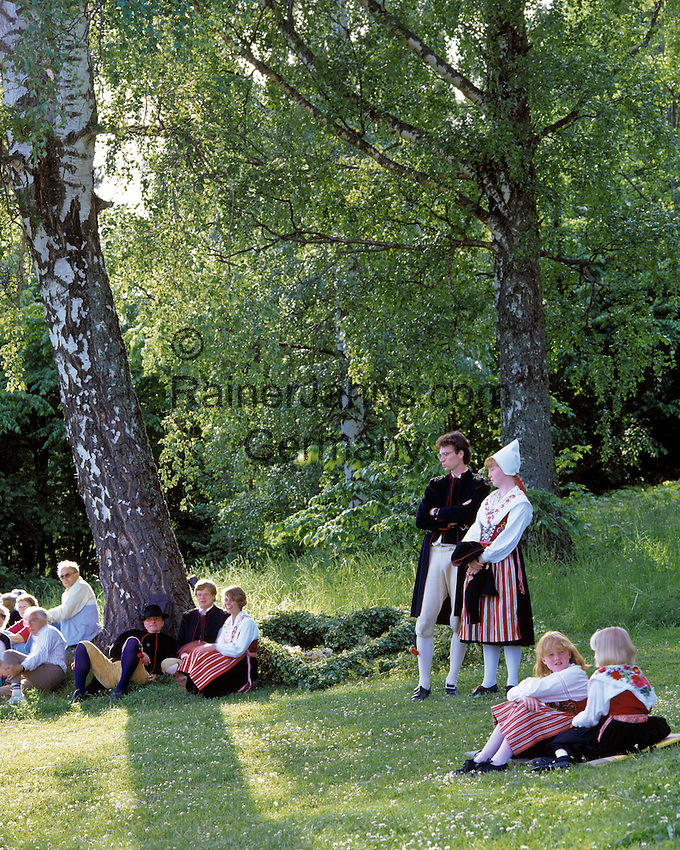 Sweden, Province Dalarnas laen, Leksand: Midsummer   Schweden, Provinz Dalarnas laen, Leksand: Mittsommerfest