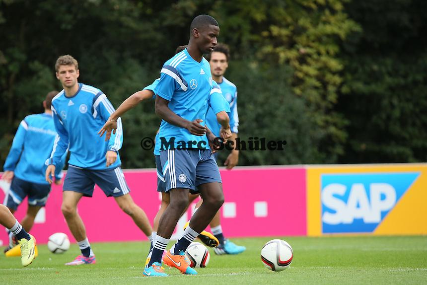 Antonio Rüdiger- Training der Deutschen Nationalmannschaft in Frankfurt