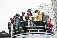 SAO PAULO, SP, 02 JUNHO 2013 - PARADA DO ORGULHO GLBT - A ministra da Cultura, Marta Suplicy, o prefeito Fernando Haddad e o deputado Jean Willys durante a 17 Parada do Orgulho LGBT na Avenida Paulista, na tarde deste domingo, 02. (FOTO: ADRIANA SPACA/ BRAZIL PHOTO PRESS).