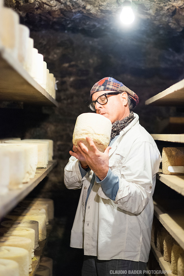 Castelmagno, Mark Brownstein Foodhunter, Land Rover