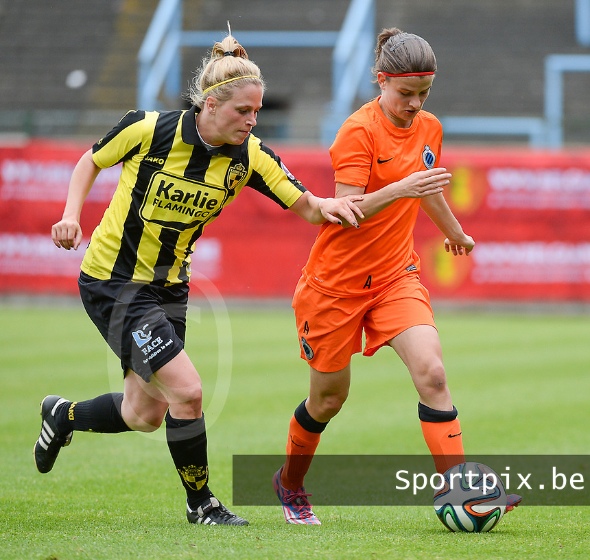 20150514 - BEVEREN , BELGIUM : duel pictured between Lierse's Caroline Berrens (left) and Brugge's Amber De Priester (r) during the final of Belgian cup, a soccer women game between SK Lierse Dames and Club Brugge Vrouwen , in stadion Freethiel Beveren , Thursday 14 th May 2015 . PHOTO DAVID CATRY
