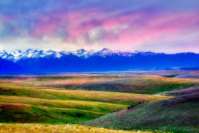 Wallowa Mountain at sunset from Zumwalt Prairie. Oregon