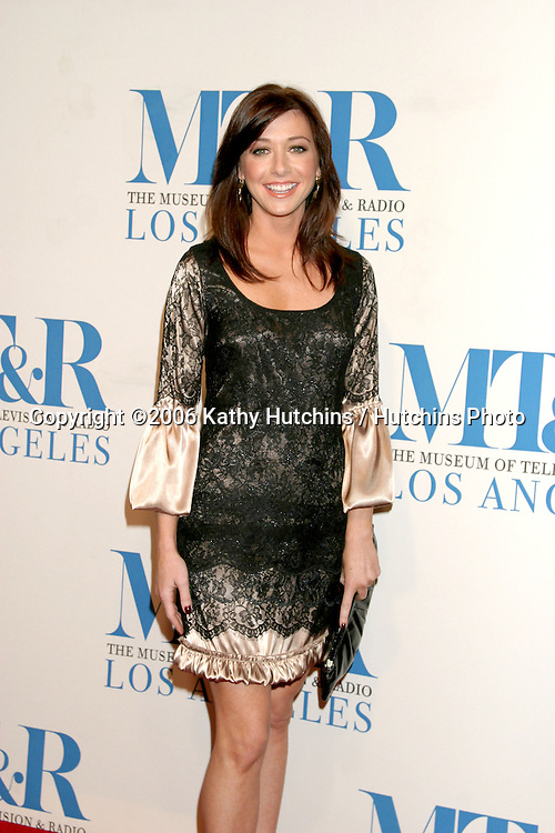 Alyson Hannigan .Museum of TV & Radio Annual Gala IHO Les Moonves and Jerry Bruckheimer.Regent Beverly Wilshire Hotel.Beverly Hills, CA.October 30, 2006.©2006 Kathy Hutchins / Hutchins Photo....