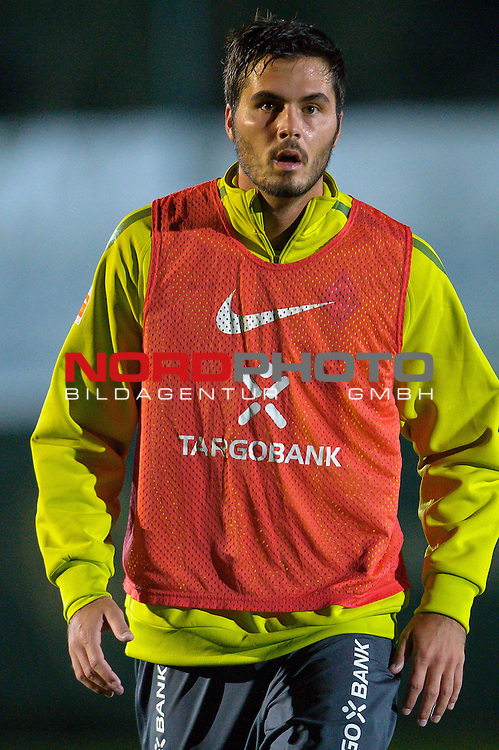 04.01.2011, Trainingsgelaende, Belek, Werder Bremen Trainingslager Belek Tuerkei 2011 Day01, im Bild Denni Avdic ( Werder #09 )    Foto © nph / Kokenge