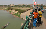 Niamey - Niger, March 30, 2012 -- Bridge over and banks of River 'Fleuve' Niger at low water-level -- Photo © HorstWagner.eu