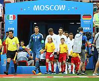 Torwart Manuel Neuer (Deutschland Germany) führt die Mannschaft auf das Feld - 17.06.2018: Deutschland vs. Mexico, Luschniki Stadium Moskau