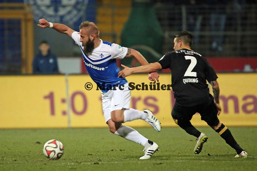Marco Sailer (SV98) gegen Christopher Quiring (Union)  - SV Darmstadt 98 vs. 1. FC Union Berlin, Stadion am Boellenfalltor