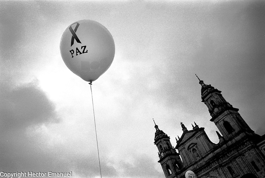 colombia1001 ? Peace March, Bogota, July 1999<br />
