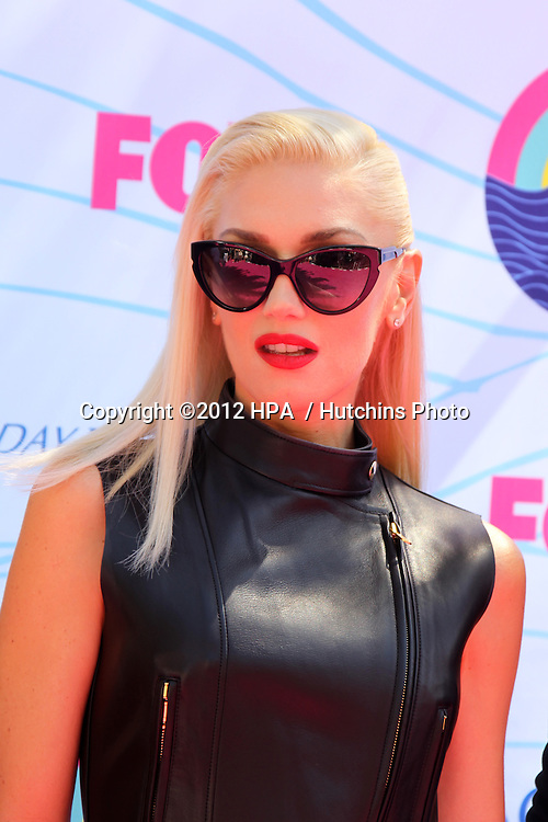 LOS ANGELES - JUL 22:  Gwen Stefani arriving at the 2012 Teen Choice Awards at Gibson Ampitheatre on July 22, 2012 in Los Angeles, CA