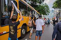 CURITIBA, PR, 25.01.2014 – PROTESTO CONTRA REALIZAÇÃO DA COPA  - Manifestates chegaram a bloquear diversas ruas do centro de Curitiba, durante a protesto contra a realização da Copa do mundo no Brasil, na tarde desse sábado(25), no centro de Curitiba. (FOTO: PAULO LISBOA  / BRAZIL PHOTO PRESS)