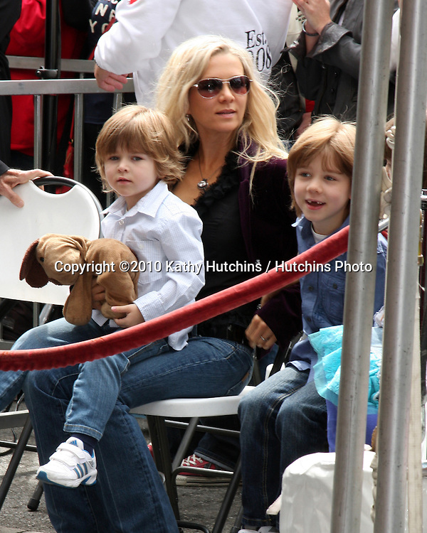 Danielle Crowe & Children.at the ceremony where Russell Crowe Receives a Star on the Hollywood Walk of Fame.Kodak Theater.Los Angeles, CA.April 12, 2010.©2010 Kathy Hutchins / Hutchins Photo...