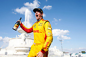 Ryan Hunter-Reay, Andretti Autosport Honda, Winner Celebrates in Scott Fountain